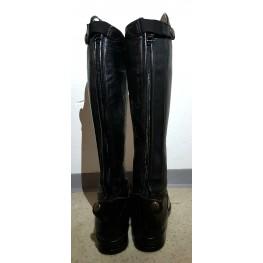 Rabljeni usnjeni škornji Tattini, velikost 35